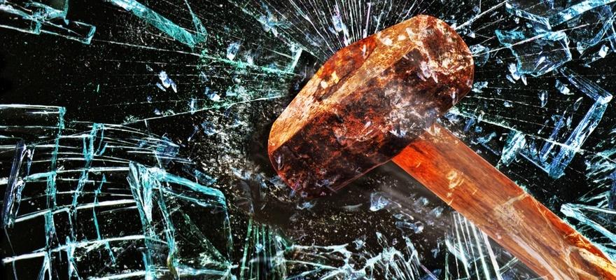 hammer-smashing-through-glass.jpg